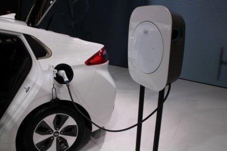 Эко-революция, Ioniq Electric от Hyundai покорил немцев