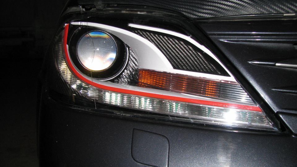 Как заменить лампу ближнего света на Рено Логан?