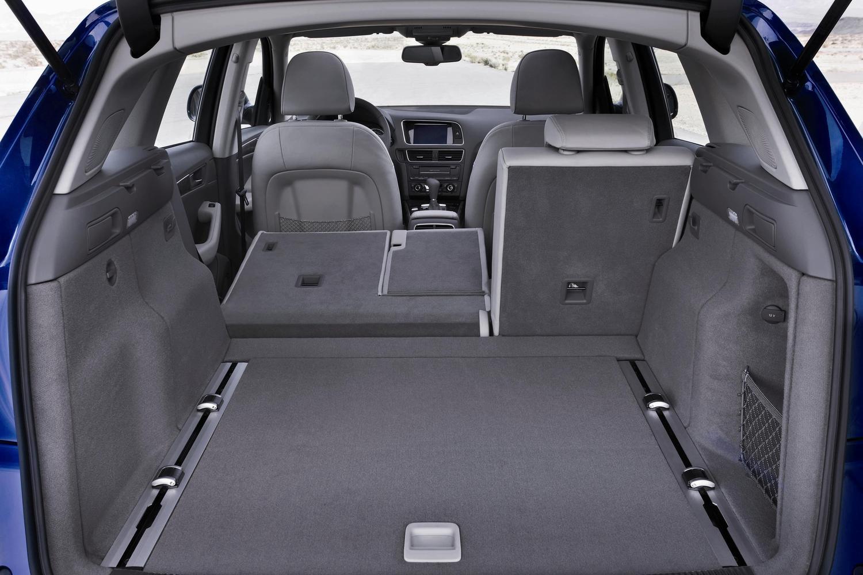 Обзор Audi Q5 - фото интерьера, линейка двигателей, безопасность