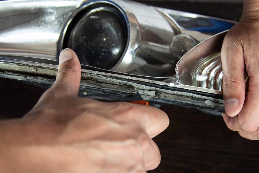 Чем удалить старый герметик на автомобиле